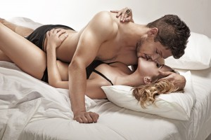 How to kiss on lips on the bed